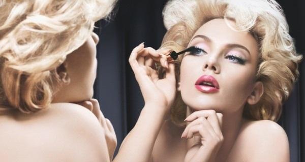 scarlett johansson dolce gabbana makeup 600x450 6步驟!窺視玩美補妝的秘密