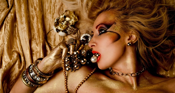 Irina Mihaita makeup look CHANEL拉斯維加斯的紙醉金迷
